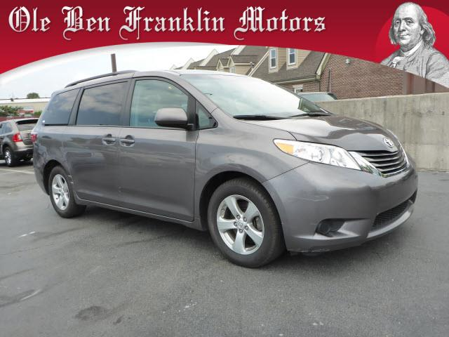 2015 TOYOTA SIENNA LE AAS predawn gray mica boasts 25 highway mpg and 18 city mpg this toyota si