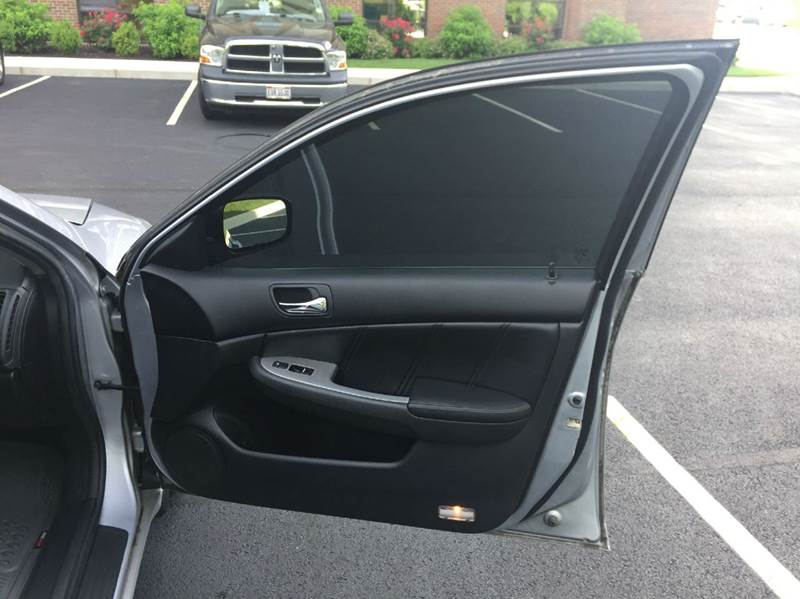 2004 Honda Accord EX 4dr Sedan w/Leather and Navi - Columbus OH