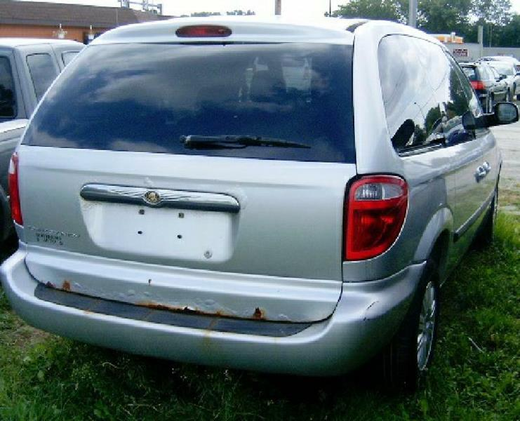 2007 Chrysler Town and Country 4dr Mini-Van - Green Bay WI