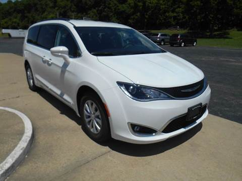 2017 Chrysler Pacifica for sale in Hermann, MO