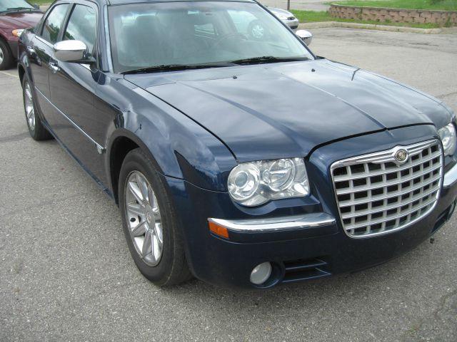 2005 Chrysler 300 for sale in BRIGHTON MI