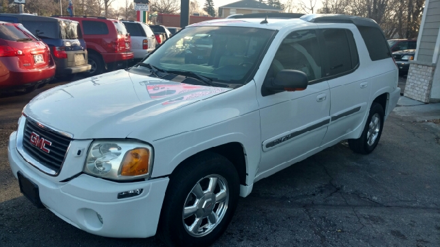 2004 gmc envoy xuv slt 4wd 4dr suv in milwaukee wi 1st quality auto. Black Bedroom Furniture Sets. Home Design Ideas