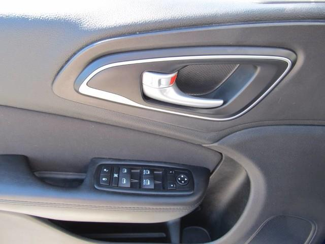 2015 Chrysler 200 Limited 4dr Sedan - Floyd VA