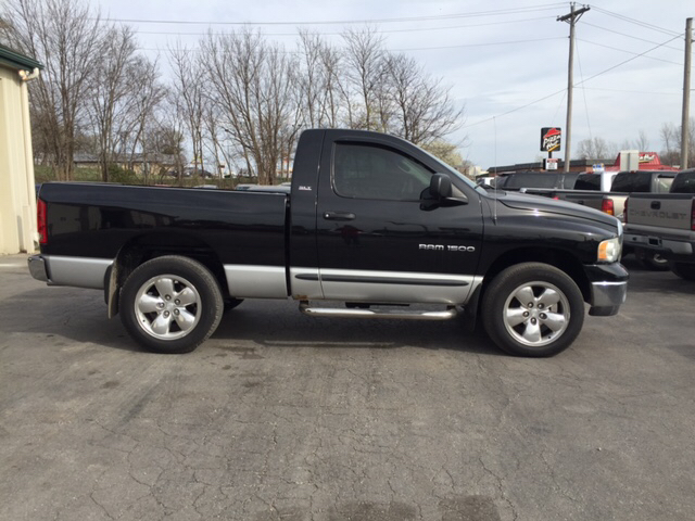 2002 Dodge Ram Pickup 1500 2dr Regular Cab Slt 4wd Sb In