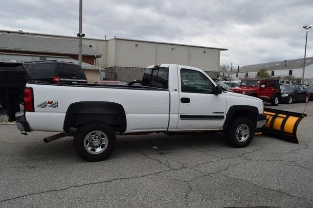 2004 chevrolet silverado 2500hd 2dr regular cab work truck 4wd lb in rockville md membercar. Black Bedroom Furniture Sets. Home Design Ideas
