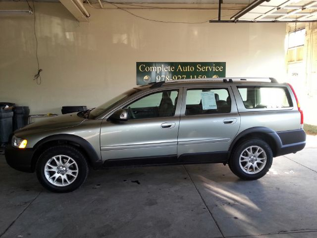 2007 volvo xc70 cross country awd wagon for sale in beverly peabody beverly beverly farms motors. Black Bedroom Furniture Sets. Home Design Ideas
