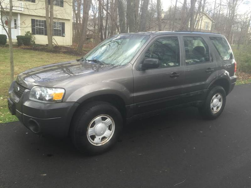 2006 ford escape xls 4dr suv w manual in north canton oh. Black Bedroom Furniture Sets. Home Design Ideas
