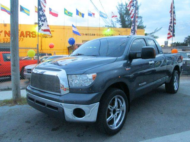 2007 TOYOTA TUNDRA SR5 gray custom wheels4 doorsuper nice truckready to work or play 108045 m