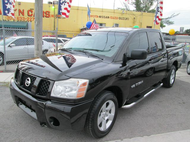 2006 NISSAN TITAN SE black abs brakesadjustable foot pedalsair conditioningalloy wheelsamfm r