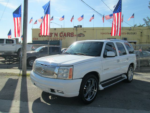 2002 CADILLAC ESCALADE BASE 2WD 4DR SUV white abs - 4-wheel anti-theft system - alarm axle ratio