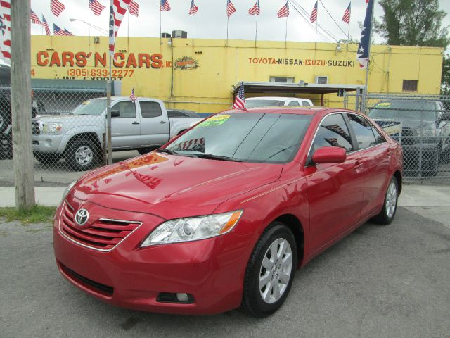 2009 TOYOTA CAMRY XLE 5-SPD AT red antilock brakesautomatic headlightcd changercd playercenter