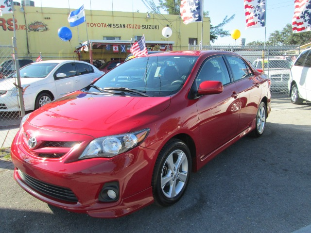 2011 TOYOTA COROLLA S 4-SPEED AT red 59769 miles VIN 2T1BU4EE6BC629358