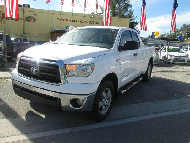 2011 TOYOTA TUNDRA GRADE 4X2 4DR DOUBLE CAB PICKUP white abs - 4-wheel airbag deactivation - pas