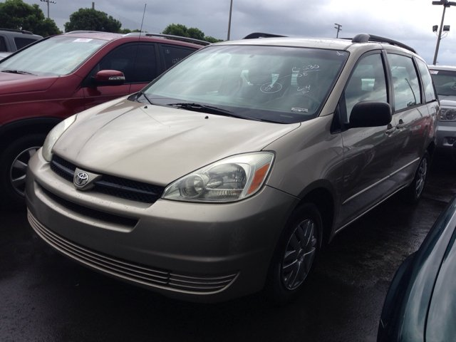 2005 TOYOTA SIENNA CE gold options listautomatic woverdrive transmission amfm radio cd player