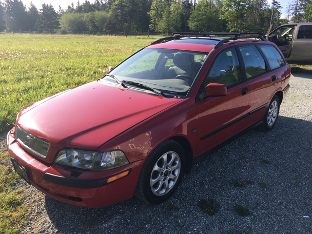 2001 Volvo V40 4dr Turbo Wagon - Mount Vernon WA