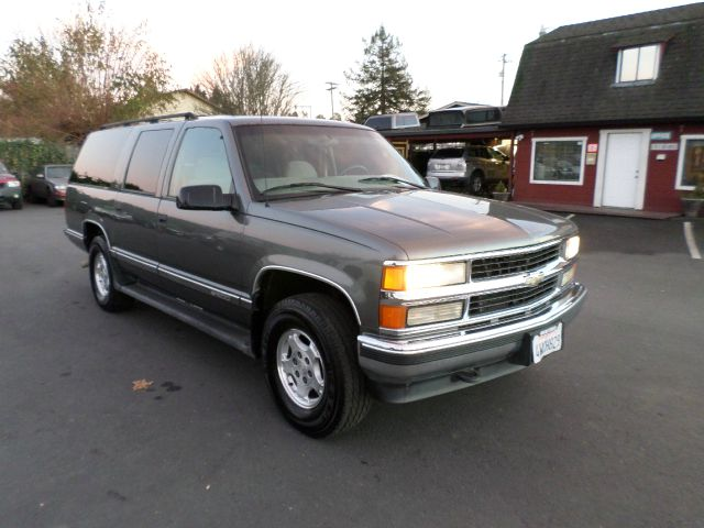 1999 CHEVROLET SUBURBAN K1500 LS 4DR 4WD SUV abs - 4-wheel bumper color - chrome cassette cruise