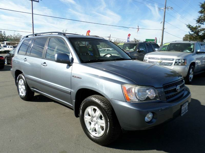 2002 TOYOTA HIGHLANDER LIMITED AWD 4DR SUV lt blue water pump timing belt at freeman toyota daler