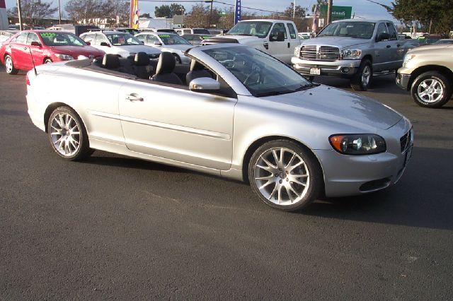 2008 VOLVO C70 T5 silver hard top  convertible 18 city 27 hwy abs brakesair conditioningalloy wh