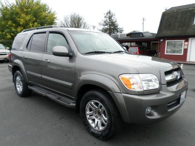 2005 TOYOTA SEQUOIA SR5 4DR SUV gray 1 owner vehicle low mileage 17 inch wheels abs -