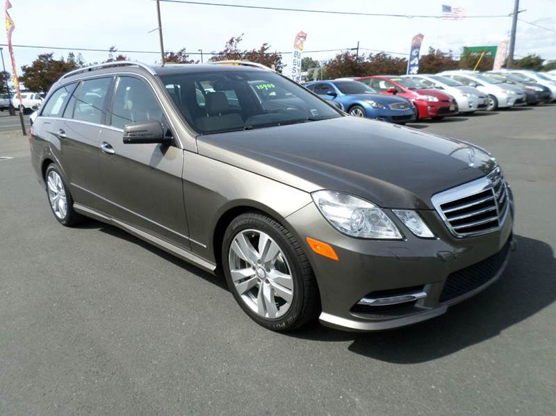 2013 MERCEDES-BENZ E-CLASS E 350 LUXURY 4MATIC AWD 4DR WAGO gold new tires one owner ve