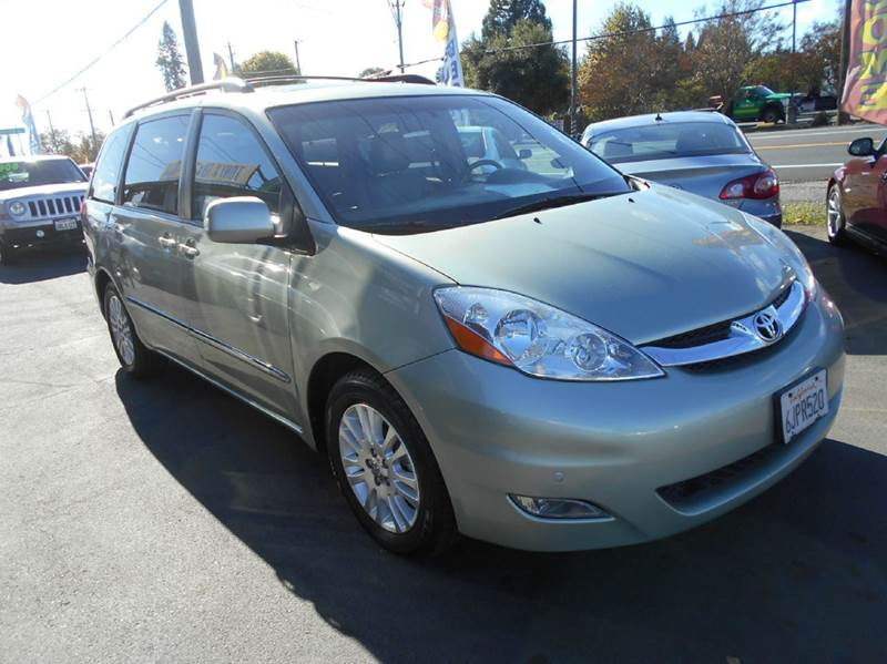 2010 TOYOTA SIENNA XLE LIMITED 7 PASSENGER 4DR MINI light green 2-stage unlocking doors abs - 4-w
