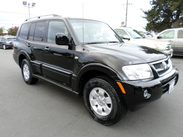 2003 MITSUBISHI MONTERO LIMITED 4WD 4DR SUV black 1 owner  abs - 4-wheel air conditioning - front