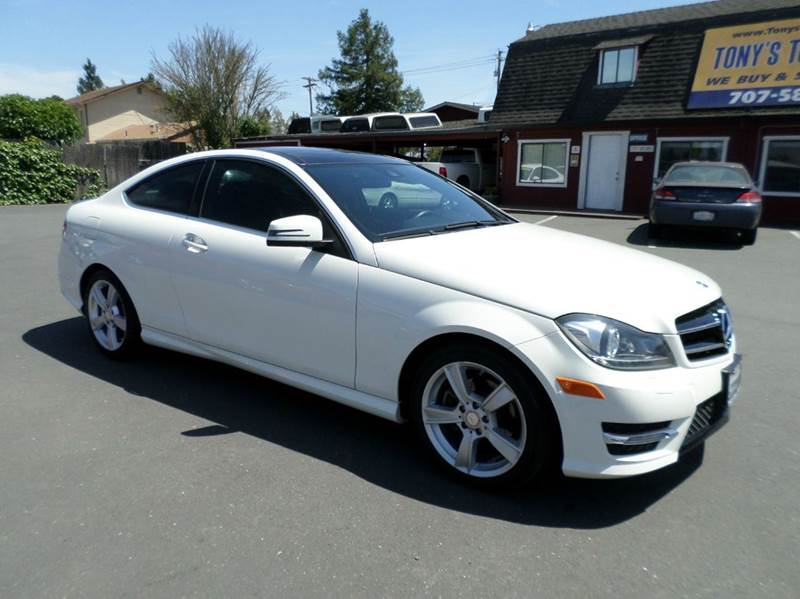 2012 MERCEDES-BENZ C-CLASS C250 2DR COUPE white sporty looking vehicle 17 in 5 spoke alloy