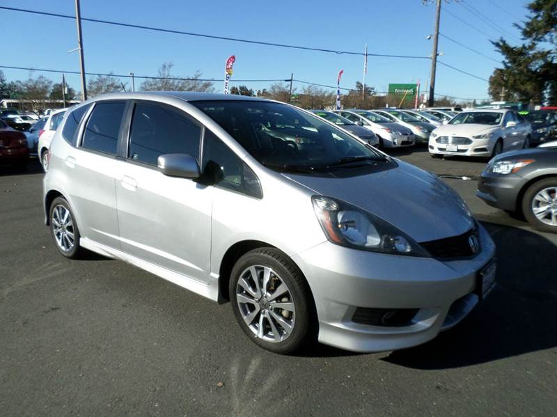 2013 HONDA FIT SPORT 4DR HATCHBACK 5A silver one owner hatchback2733 mpg 2-stage unlocking