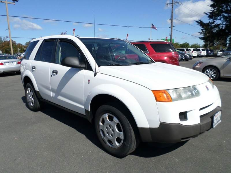 2004 SATURN VUE BASE FWD 4DR SUV white new tires 5sp manual    one owner