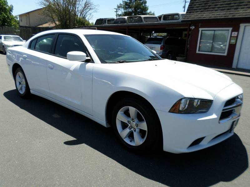 2012 DODGE CHARGER SE 4DR SEDAN white really clean charger  2-stage unlocking doors abs - 4-w
