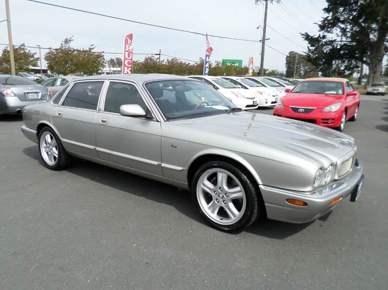 1999 JAGUAR XJR BASE 4DR SUPERCHARGED SEDAN silver abs - 4-wheel anti-theft system - alarm cass