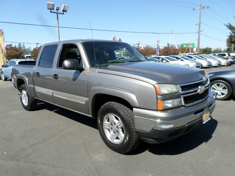 2005 GMC SIERRA 1500 SLE 4DR EXTENDED CAB RWD SB pewter low mileage one owner truck abs - 4-w