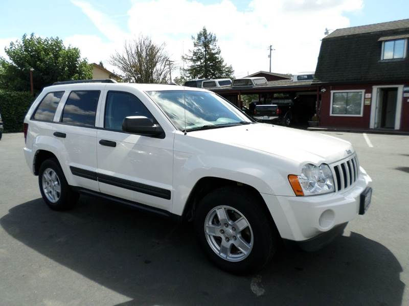 2006 JEEP GRAND CHEROKEE LAREDO 4DR SUV 4WD W FRONT SIDE white low mileage suv4wd 4wd type