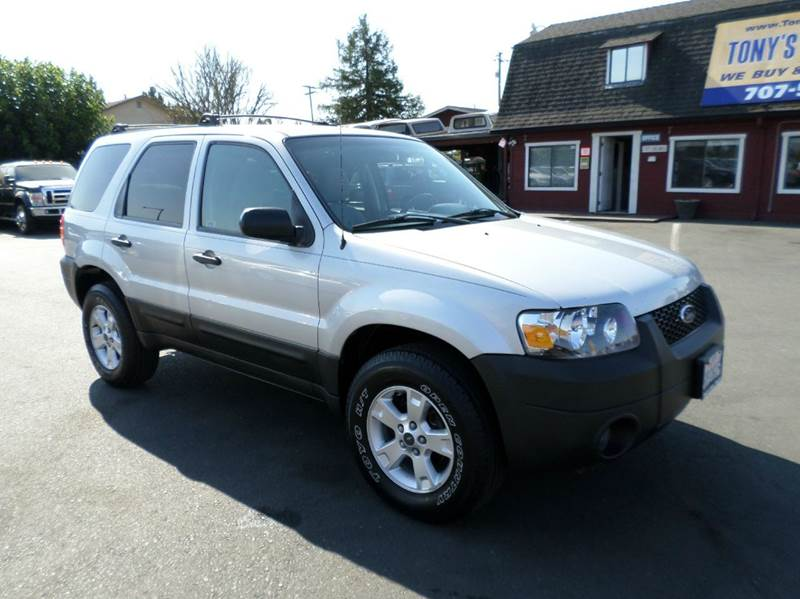 2005 FORD ESCAPE XLT 4DR SUV silver one owner vehicle abs - 4-wheel anti-theft system - alar