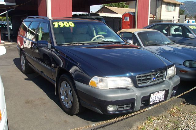 2000 VOLVO V70 AWD black 4wdawdabs brakesair conditioningalloy wheelsamfm radioanti-brake s