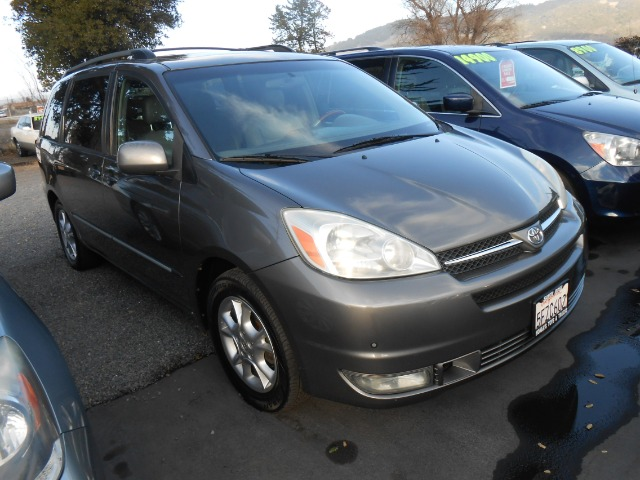 2004 TOYOTA SIENNA XLE LIMITED grey 3rd row seating air conditioning amfm radio wcd player cr