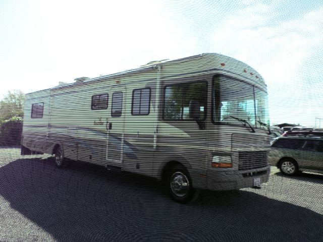 1999 FLEETWOOD BOUNDER whitebrown low mileage rv 47145 miles VIN 3FCNF53S1XJA36030