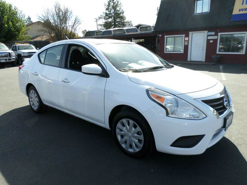 2015 NISSAN VERSA 16 S 4DR SEDAN 4A white one owner vehicle2635 mpg airbag deactivatio