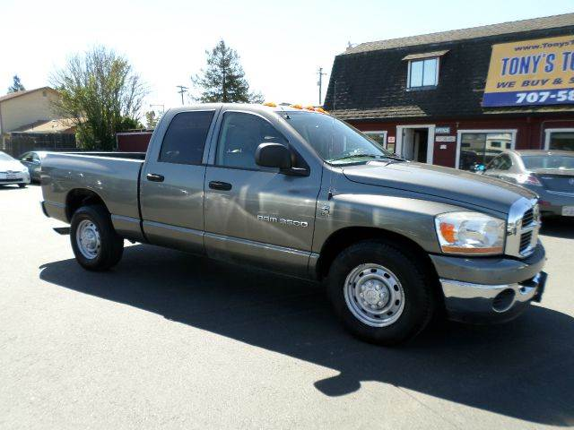 2006 DODGE RAM PICKUP 3500 SLT 4DR QUAD CAB SB gray 1 owner veicle abs - 4-wheel airbag deac