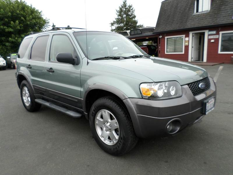 2006 FORD ESCAPE XLT AWD 4DR SUV W30L lt green clean xlt leather awd  4wd type - on