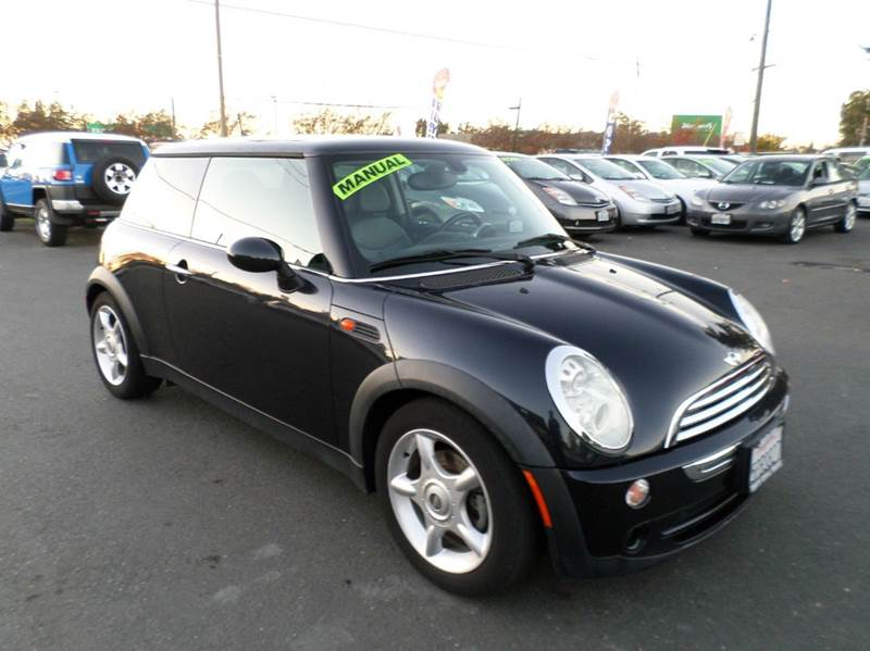 2005 MINI COOPER BASE 2DR HATCHBACK black new tires manual 5sponly 95229 miles