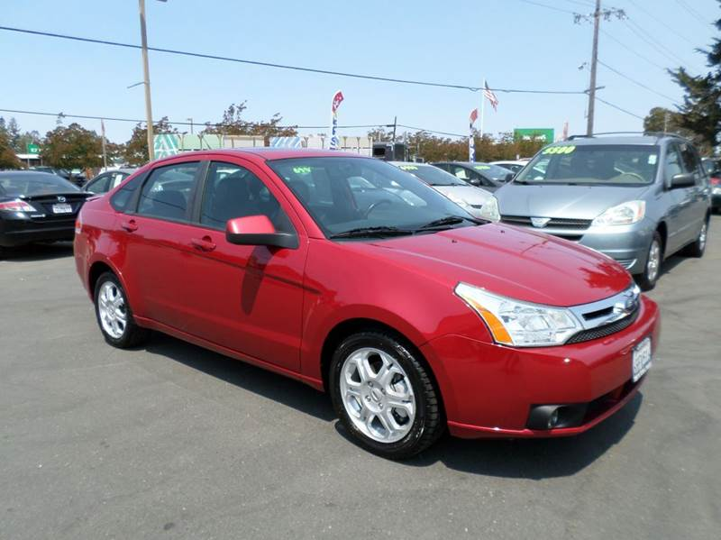 2009 FORD FOCUS SES 4DR SEDAN red leather2433 mpg airbag deactivation - occupant sensing p