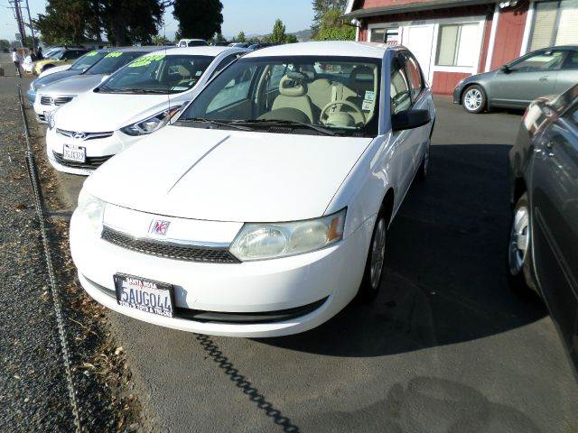 2003 SATURN ION 2 4DR SEDAN white low mileage daytime running lights front air conditionin