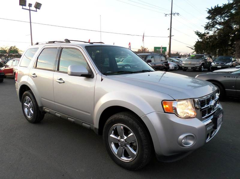 2011 FORD ESCAPE LIMITED AWD 4DR SUV silver one owner clean vehiclelimited4wd 17 in