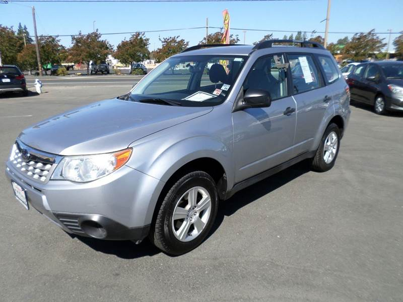 2013 SUBARU FORESTER 25X AWD 4DR WAGON 4A silver clean forester 2-stage unlocking doors