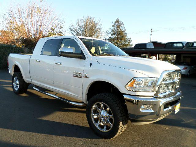 2014 RAM RAM PICKUP 2500 LARAMIE 4X4 4DR MEGA CAB 63 FT white really clean truck new tires