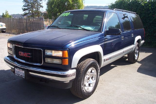 1997 GMC SUBURBAN SLT blue 3rd row seat4 door4 wheel driveair conditioningamfm radioautomati