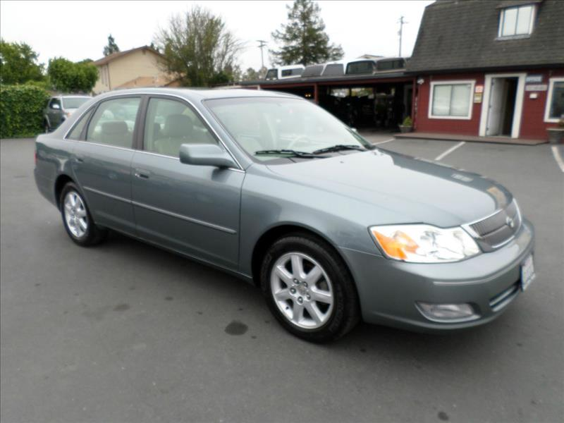 2001 TOYOTA AVALON XLS 4DR SEDAN WBUCKET SEATS lt green one owner vehicle clean car abs -