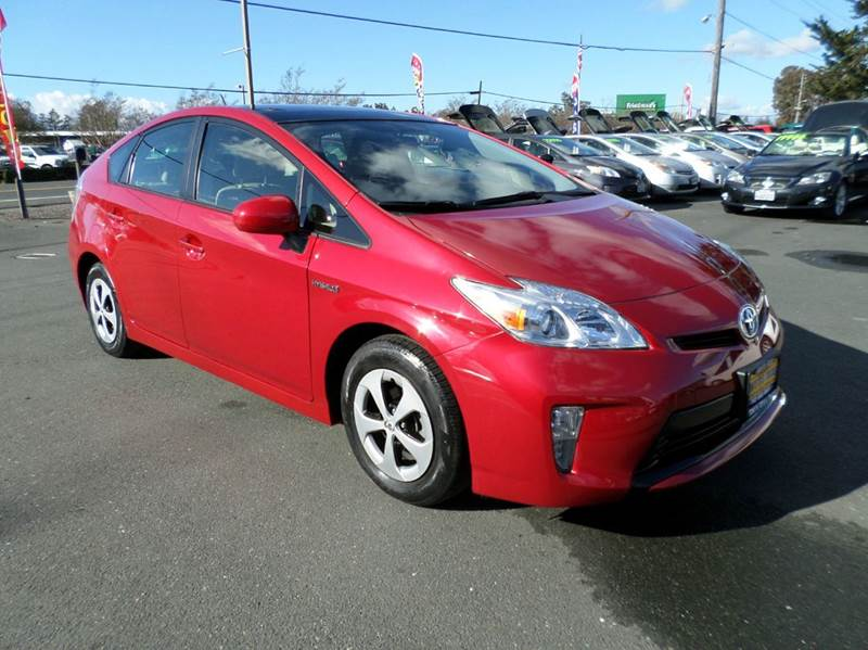 2013 TOYOTA PRIUS FOUR 4DR HATCHBACK red one owner vehicleleather back up camera 2-stag