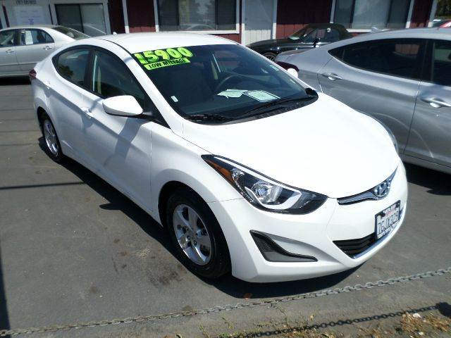 2015 HYUNDAI ELANTRA SE 4DR SEDAN 6A white previous rental has factory warranty 2-stage unlocking
